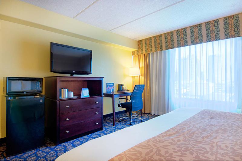 Barrymore Hotel Tampa Standard King Guestroom