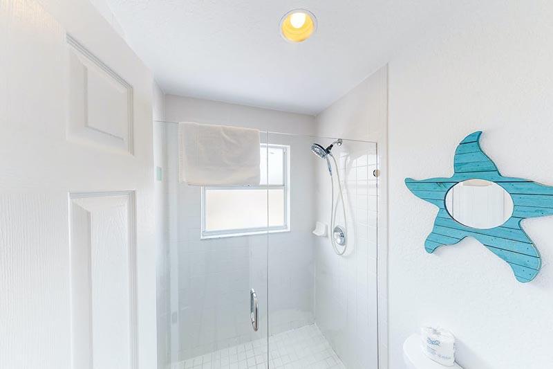 Bradenton Beach Sunset Villa Bathroom 3