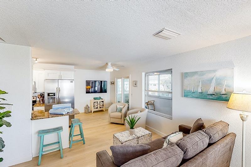 Bradenton Beach Sunset Villa Lounge 3
