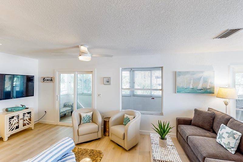 Bradenton Beach Sunset Villa Lounge 4