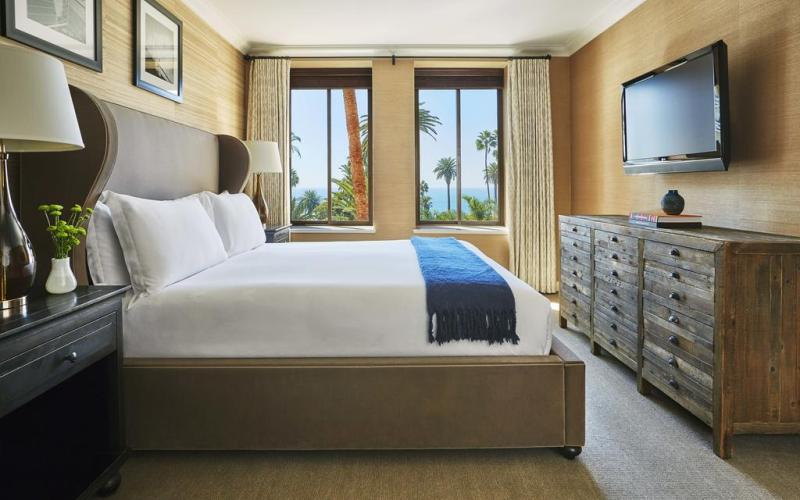 FairmontMiramarGuestroom