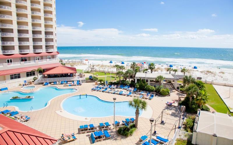 HiltonPensacolaBeachSwimmingPoolOverview