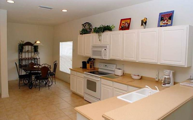 Kitchen2FortMyersVillas