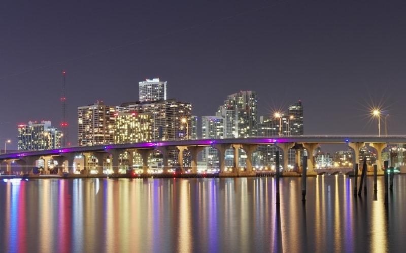 MiamiSkylineNight