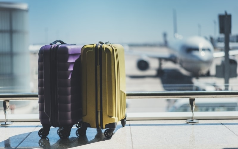 Top Tips on how to pack your cabin baggage for comfortable/luxury travel on a long-haul flight