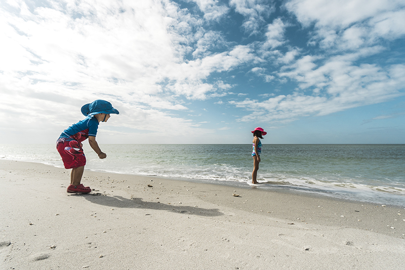 Fort Myers KIDS PLAY BEACH Captiva photo by Rob Hoovis