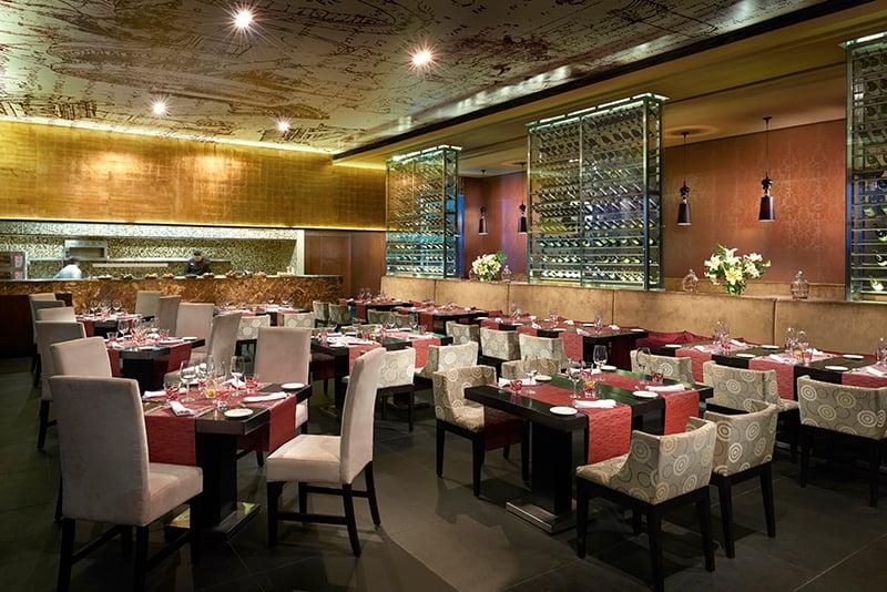 Azul Fives Arezzo Restaurant