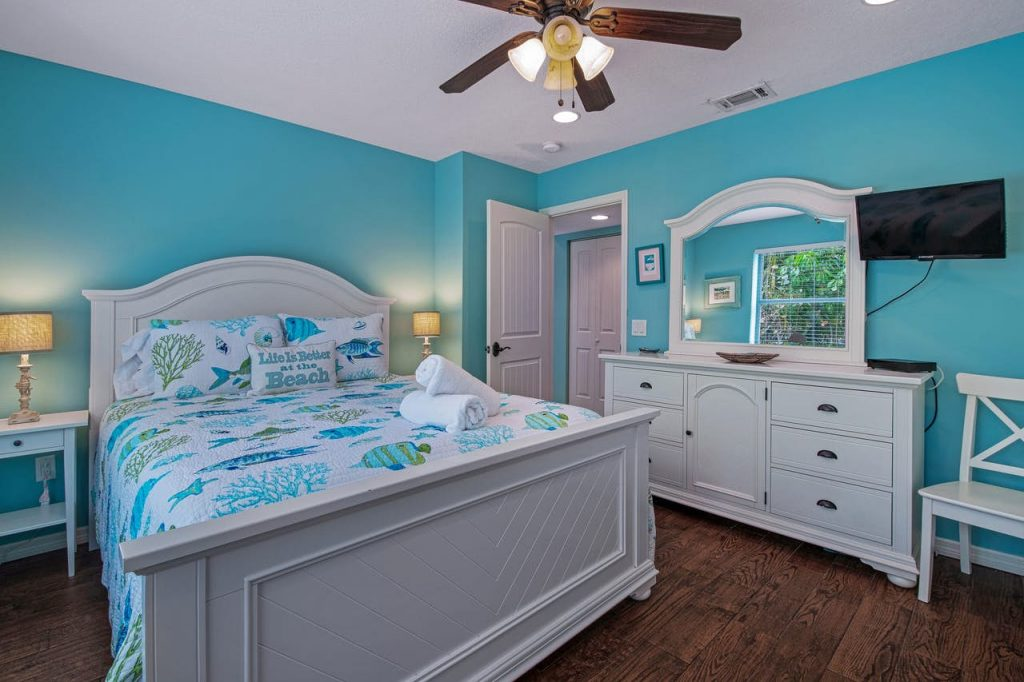 Anna Maria Island The Coveside Cottage Holmes Beach Bedroom 1