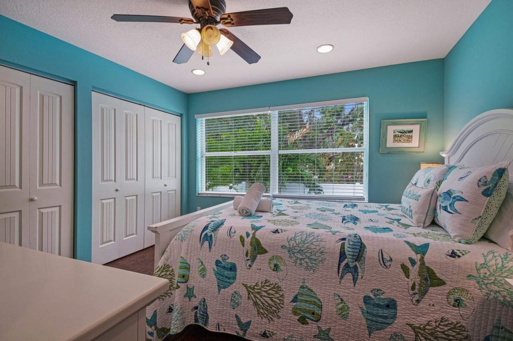 Anna Maria Island The Coveside Cottage Holmes Beach Bedroom 2