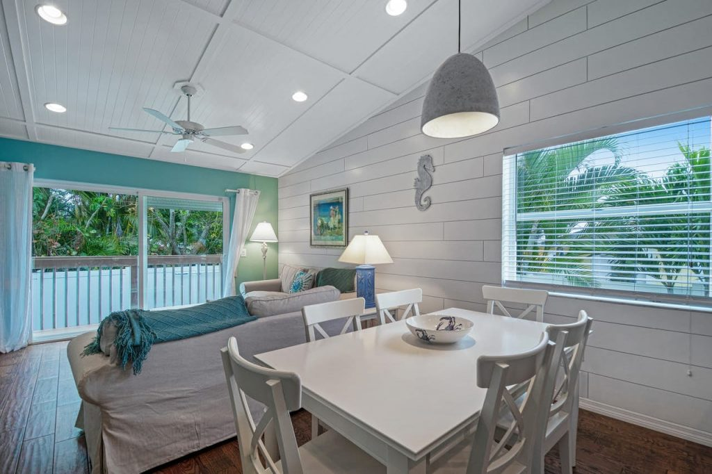 Anna Maria Island The Coveside Cottage Holmes Beach Dining