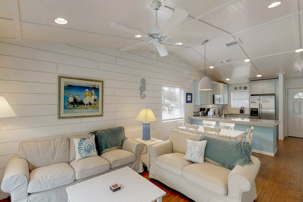 Anna Maria Island The Coveside Cottage Holmes Beach Lounge