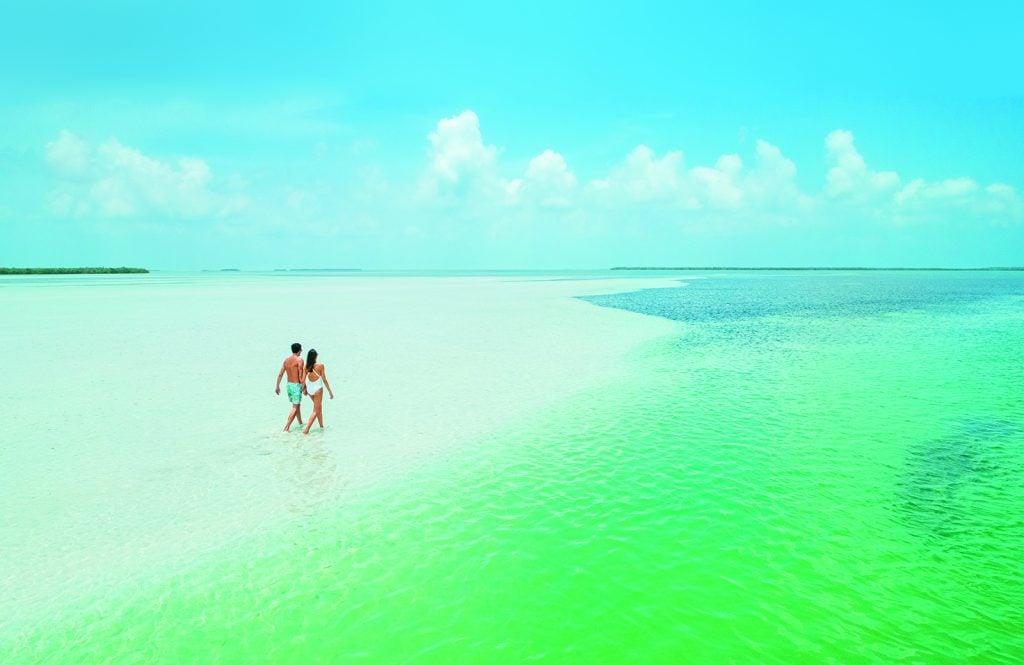 Florida Keys & Key West MC-LK Marvin Key Couple Walk B Destination Focus