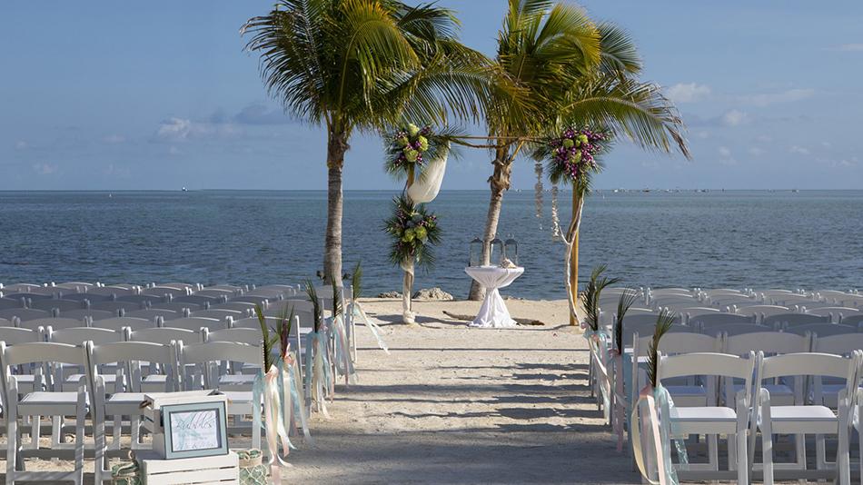 Postcard Inn on the Beach wedding