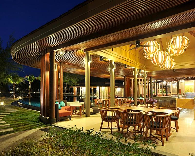 Apsara Beachfront Resort and Villa, Khao Lak Horizon Bar