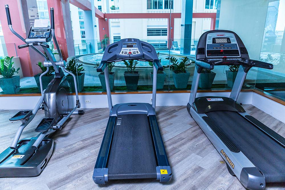 Bandara Suites Silom Bangkok Gym
