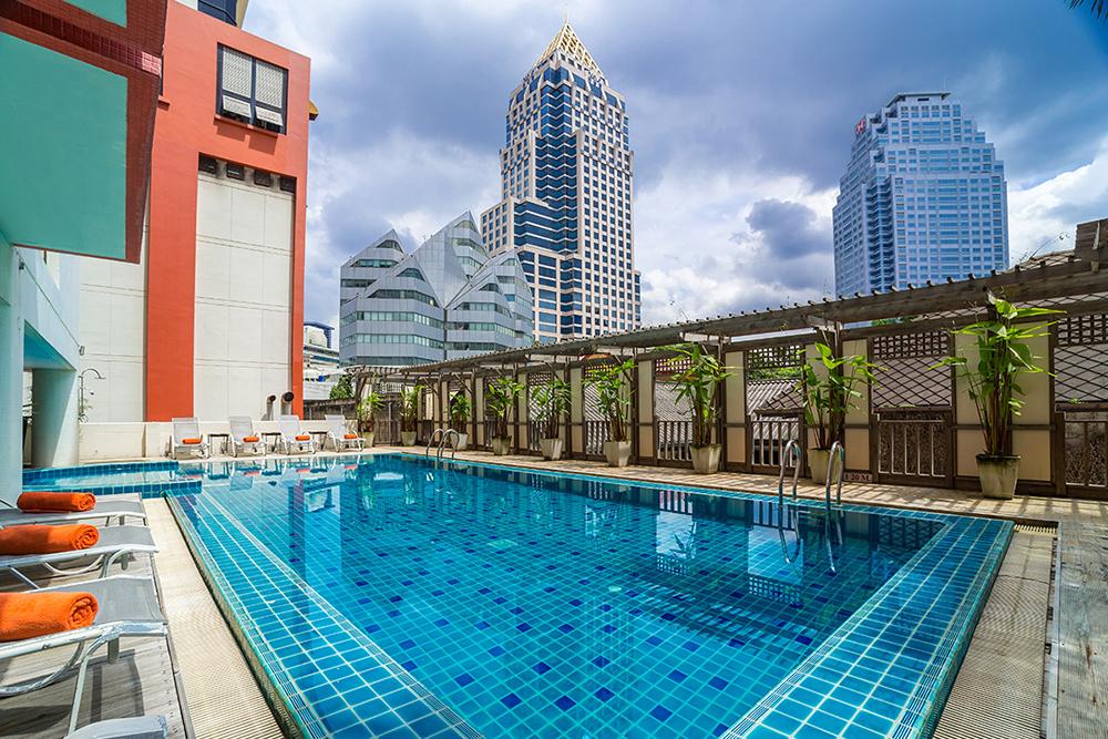 Bandara Suites Silom Bangkok Pool