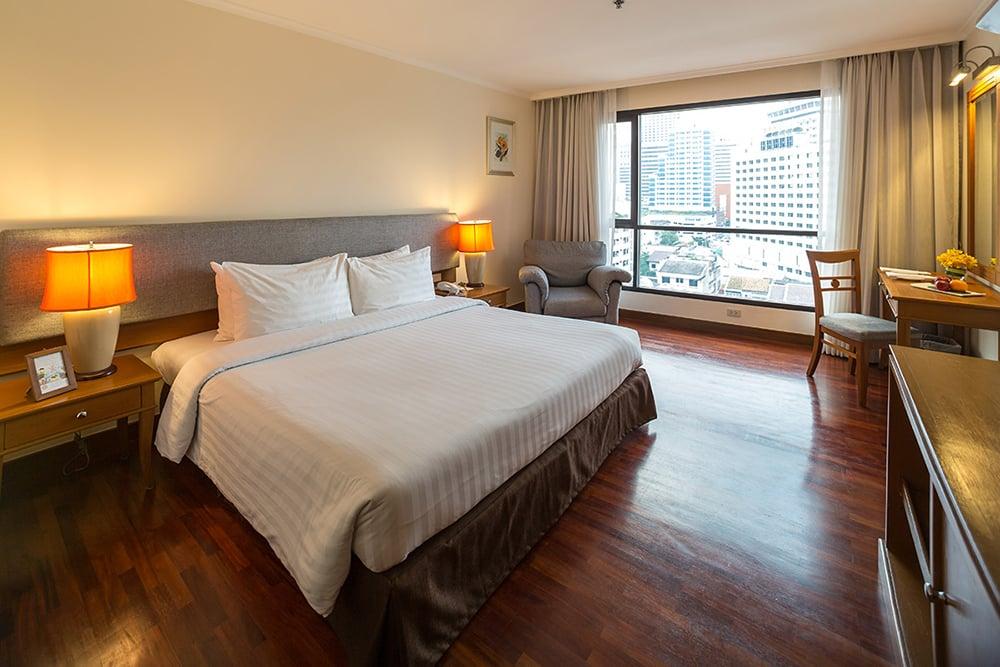 Bandara Suites Silom Bangkok Superior Room 2