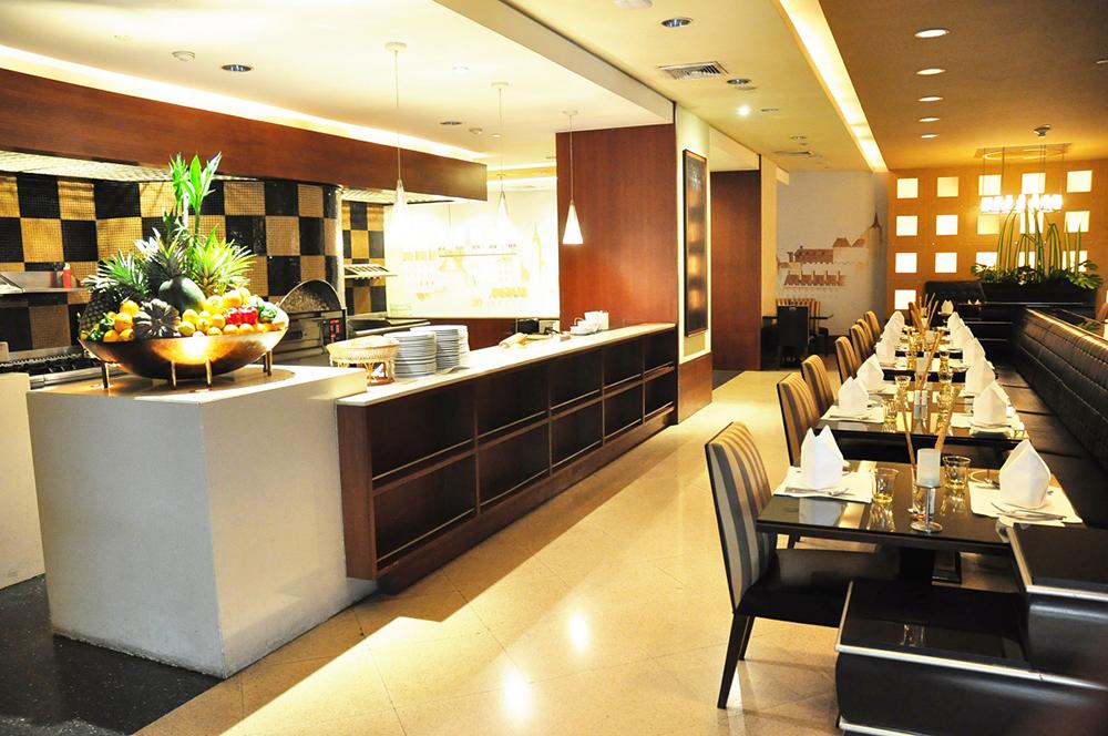 Century Park, Bangkok Restaurant 3