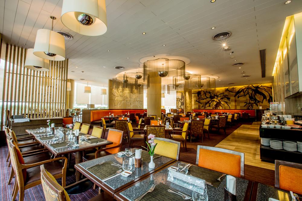 Century Park, Bangkok Restaurant