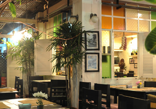The Old Phuket Karon Beach Resort, Phuket Restaurant 2