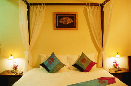 The Old Phuket Karon Beach Resort, Phuket Sino Wing Bedroom 3