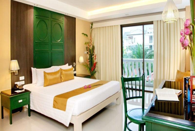 The Old Phuket Karon Beach Resort, Phuket Sino Wing Bedroom