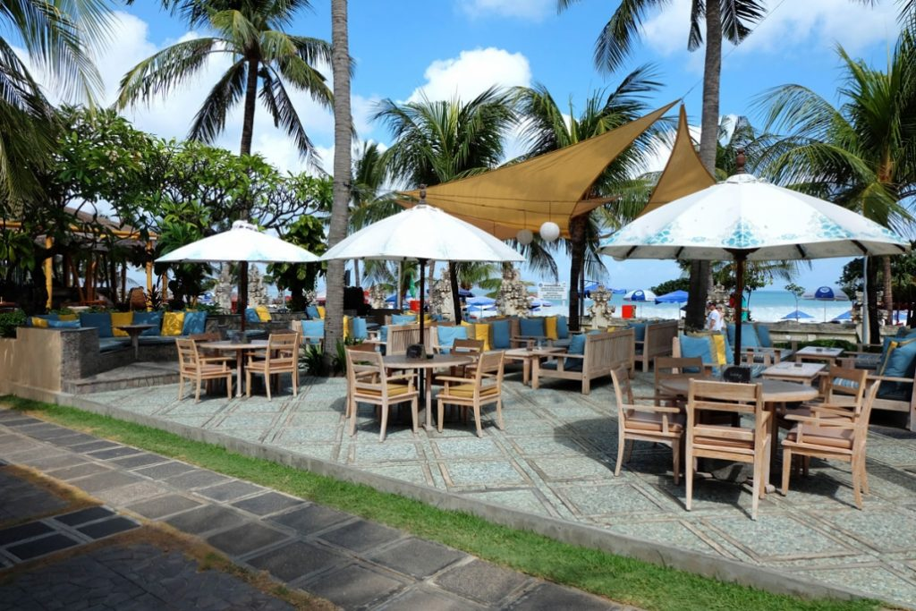 Bali Mandira Beach Resort & Spa Barong Bar Patio