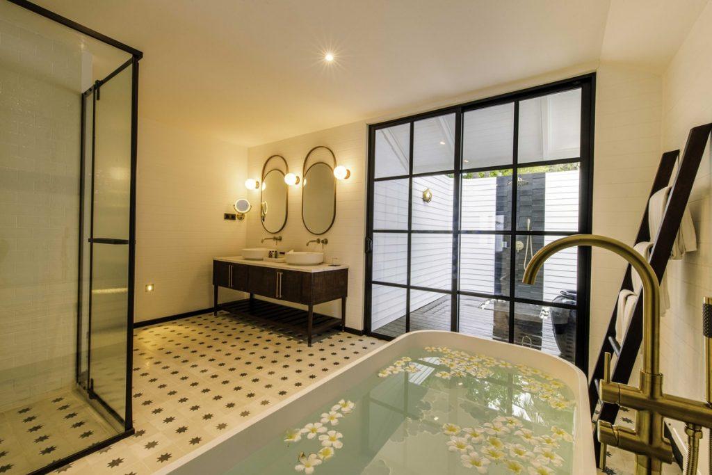 Paradise Island Resort Deluxe Beach Pool Villa Bathroom