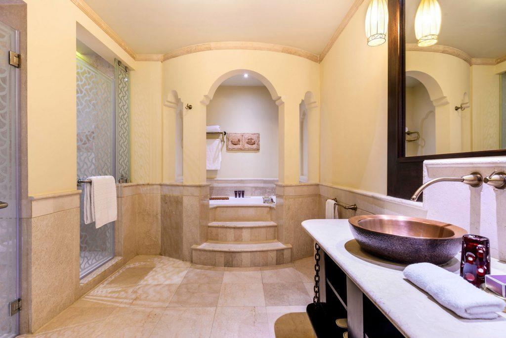 Sharq Village & Spa, a Ritz Carlton Hotel, Doha Suite Bathroom